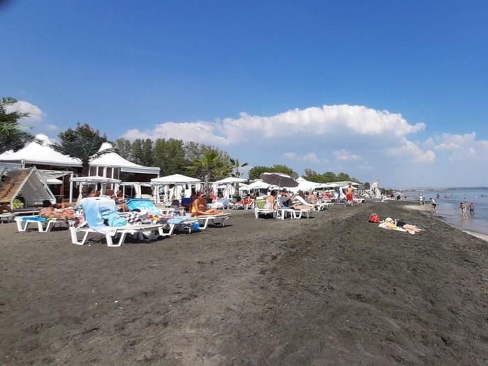 Плажовете продължават да са пълни и през септември.