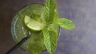 6 зареждащи зелени коктейла, които да приготвим у дома