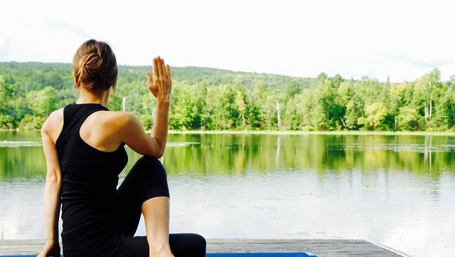 Защо е хубаво бременните да правят йога