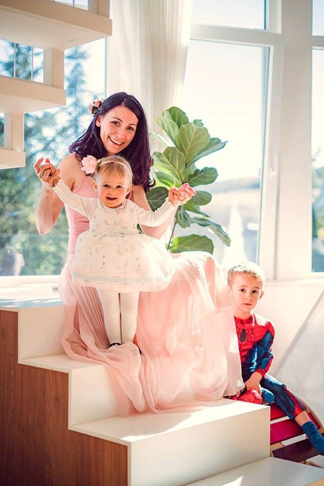 Цвети заедно с най-красивото в живота си - своите две деца