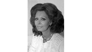 81-годишната София Лорен снима реклама за козметика
