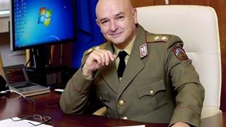 Проф. Мутафчийски - докторът, който спасява под дъжд от куршуми