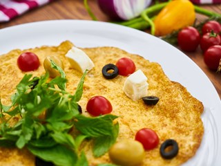 Вкусен и питателен омлет с картофи