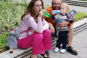 Георги Пеев със съпругата Ана и сина им Калоян
