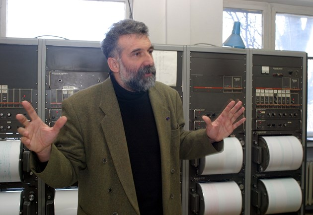 Сеизмологът проф. Емил Ботев: Не ни чака втора Вранча