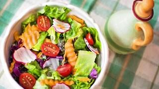 Как да направим перфектната пролетна салата