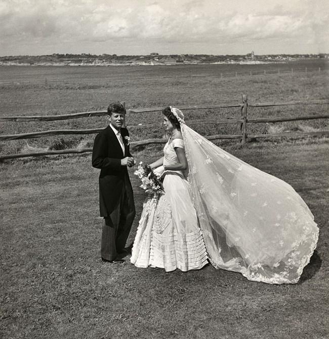 Джон Кенеди и Джаки Кенеди Снимка: Уикипедия