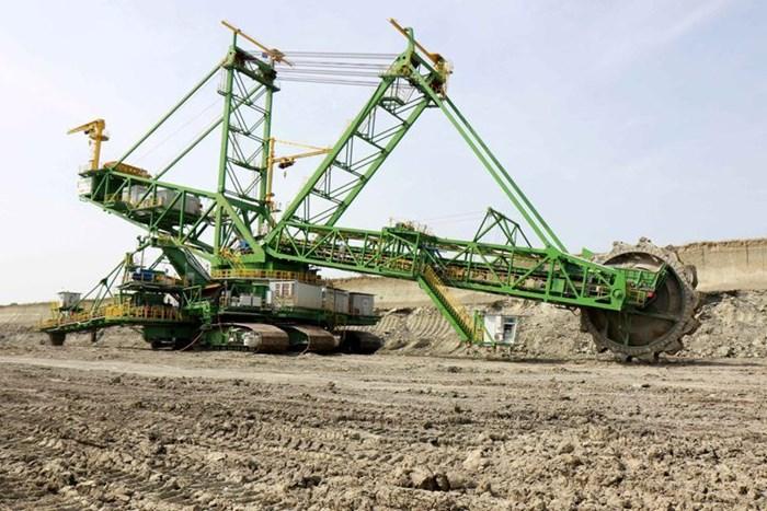 """Този багер е сред техниката, осигурена през последните години за работата на мини """"Марица изток""""."""