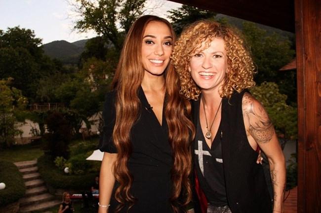 Мария и Люси; Снимки: X Factor