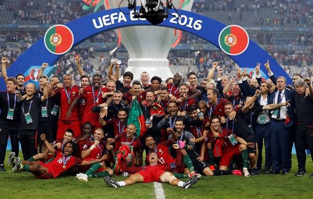 Португалия ще защитава трофея от Евро 2016, спечелен с победа на финала над домакините от Франция