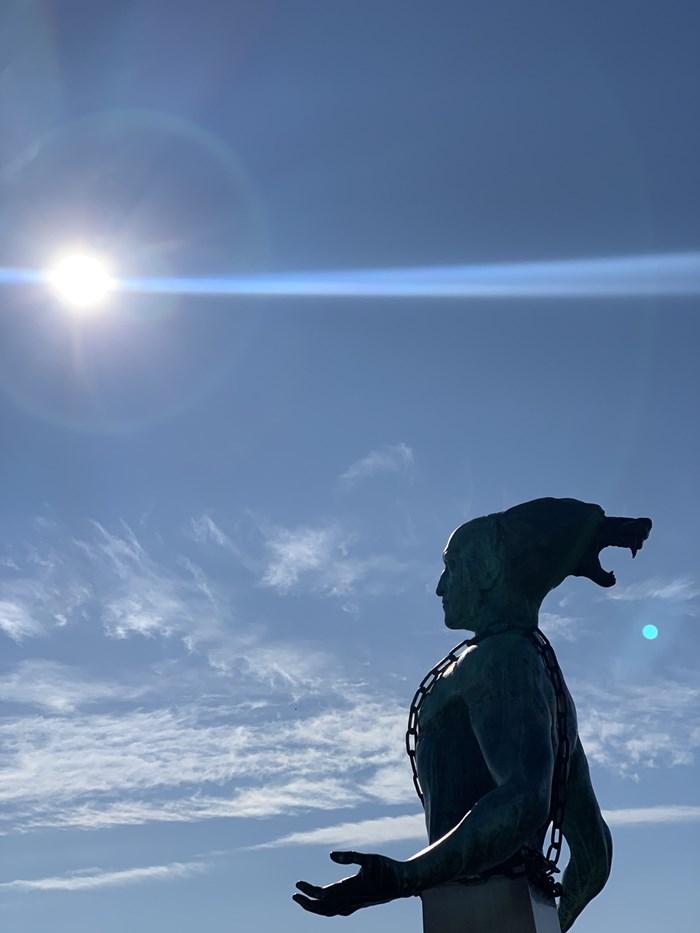 Статуята на Боян Мага