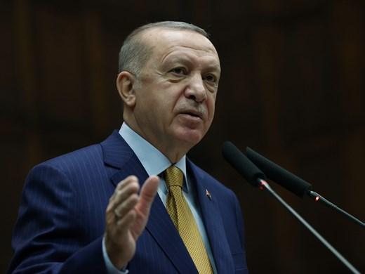 Ердоган към Меркел: През април безопасно ще стартира туризмът