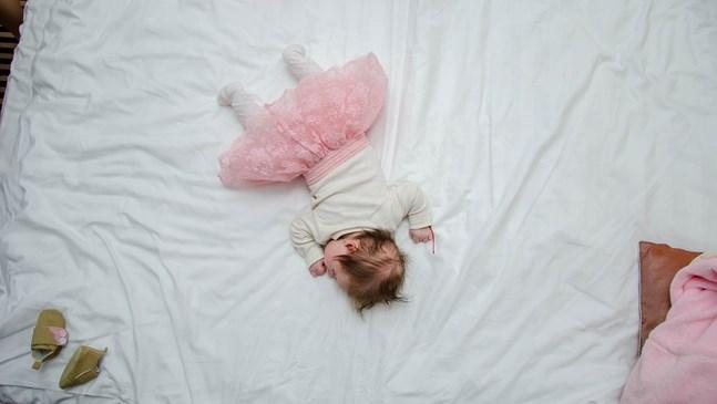 4 начина да се справите с нощното напикаване при детето