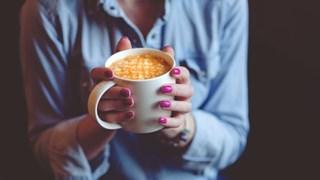 Навици, с които съсипваме ноктите
