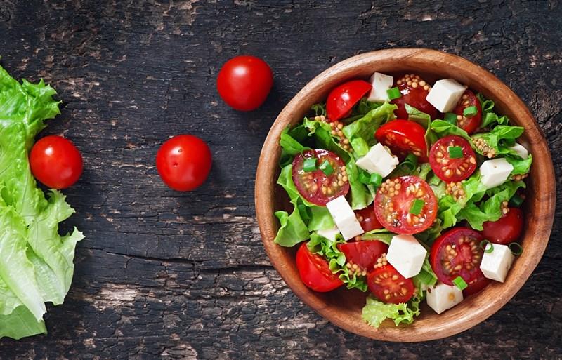 """Румънската """"Салата де рошии"""" - от домати"""