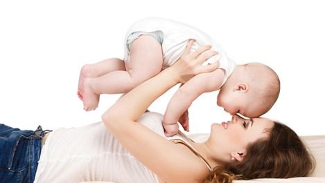 Как да защитим нежната бебешка кожа