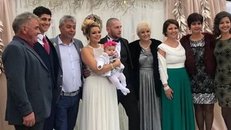 Николина Чакърдъкова вдигна тежка сватба