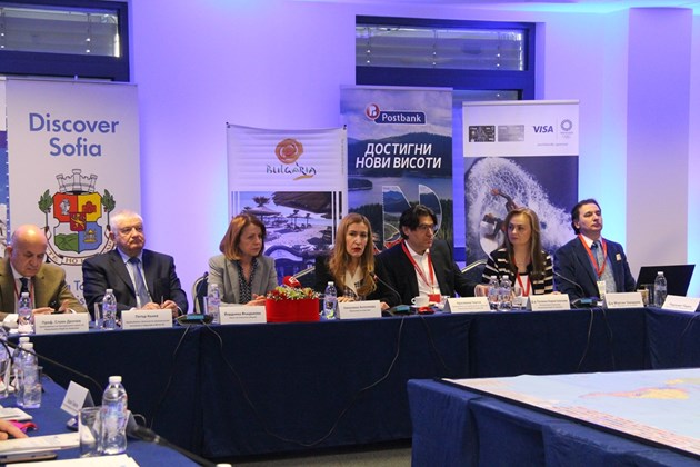 Министър Ангелкова: Важен акцент е дигитализацията в туризма