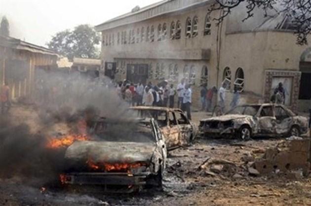 Троен самоубийствен атентат в Нигерия, най-малко 30 са убити
