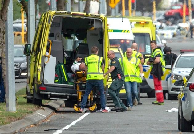 Стрелба с 40 жертви в джамия в Нова Зеландия, 4-ма са задържани (Видео, снимки)