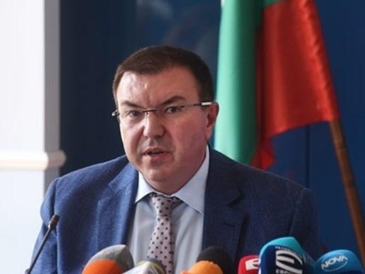 Министър Ангелов: сериозен е проблемът с персонала в медицинските заведения
