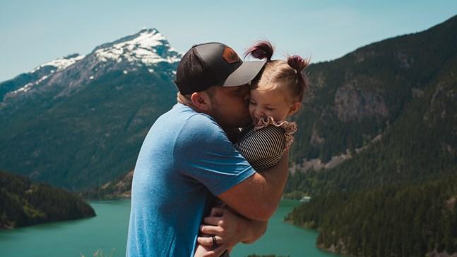 8 неща, които да направите, ако сте татко на момиченце