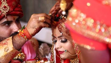 Защо индийците споделят съпругите си със своите братя