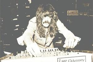 """Музикантът през 70-те години на ХХ в., когато свири с """"Дийп пърпъл""""."""