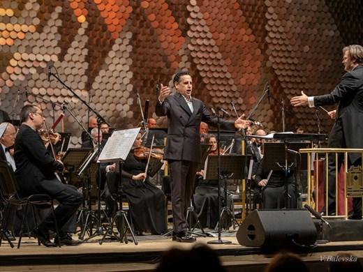 Хорът на софийската публика пя с Хуан Диего Флорес