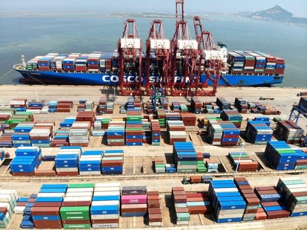 Външната търговия на Китай се разраства стабилно