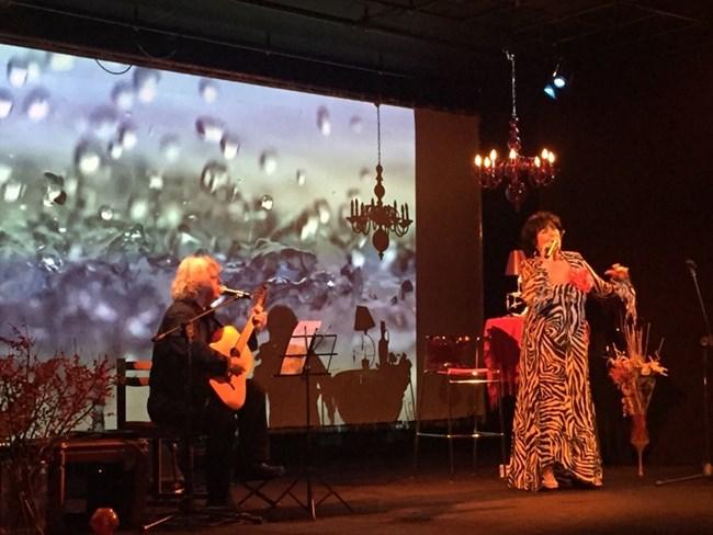 """Йорданка Христова на сцената на концерта """"Акустично"""""""