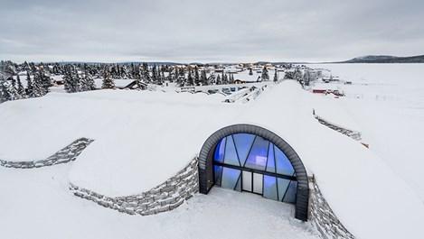 Първият в света леден хотел