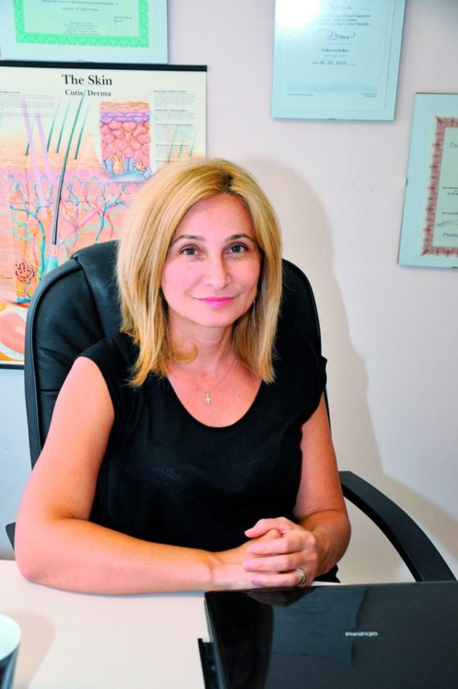 дерматологът д-р Анна Пейкова