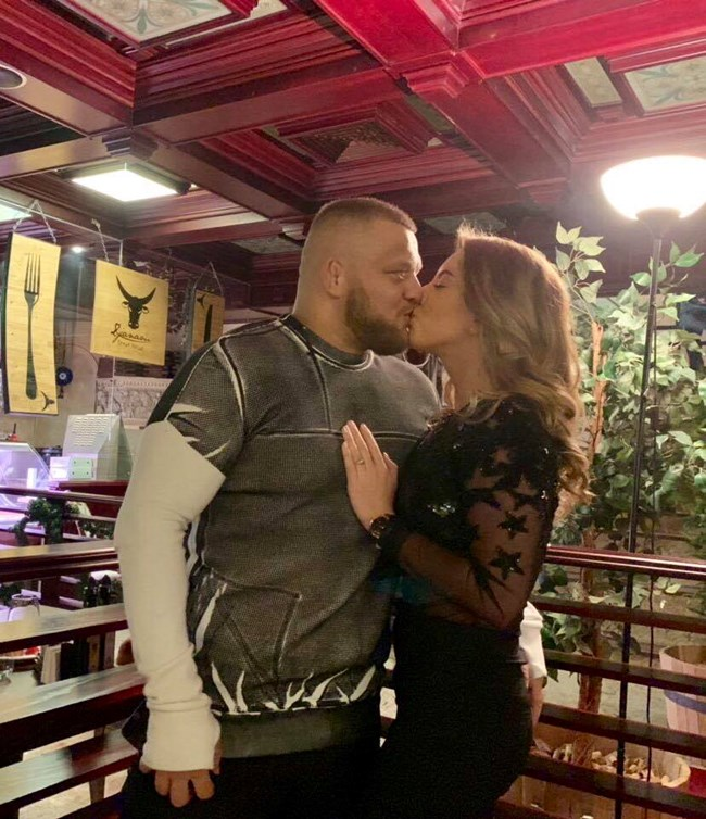 Николай Щерев и Катрин Тасева показват любовта си.