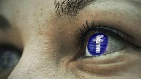Facebook ще засича голота и насилие в живите излъчвания