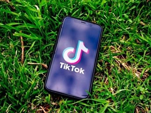 Китай отвръща на американската забрана за качване на ТикТок и УиЧат с ограничения за чуждестранни компании