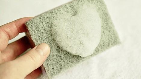 Нестандартни употреби на кухненската гъба в домакинството