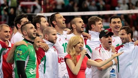 Настръхващо! Нели Петкова, националите и феновете пяха химна на България!