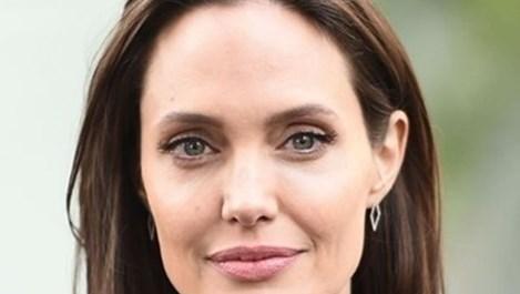 Анджелина Джоли планира сватба в Лондон
