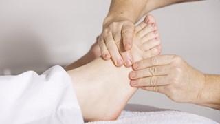 На кои здравословни състояния помага масажът на стъпалата