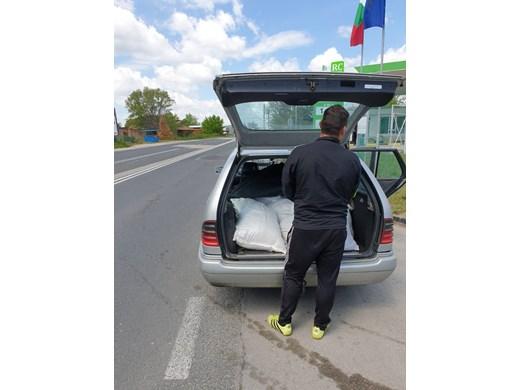 Голямо количество контрабандни цигари задържаха край Варна (СНИМКИ)