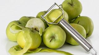 За какво служат обелките от плодовете и зеленчуците в домакинството