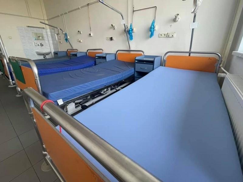 """COVID леглата в """"Пирогов"""" са празни на снимката"""
